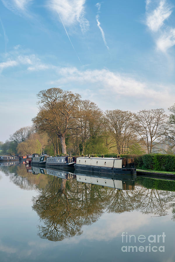 Narrowboats on the Oxford Canal at Thrupp by Tim Gainey