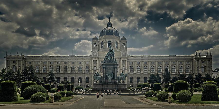 Natural History Museum by Roberto Pagani