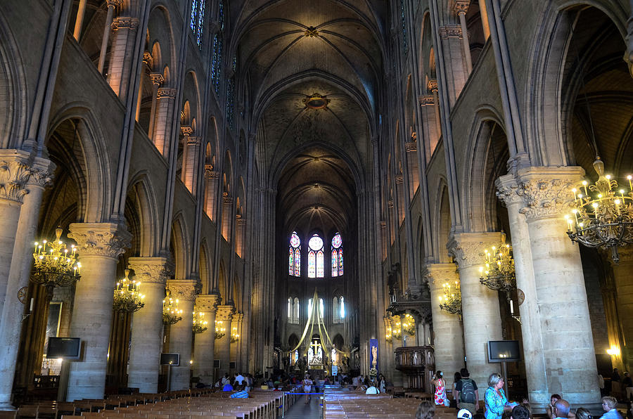 Nave of Notre Dame de Paris before the fire of 2019 by RicardMN Photography
