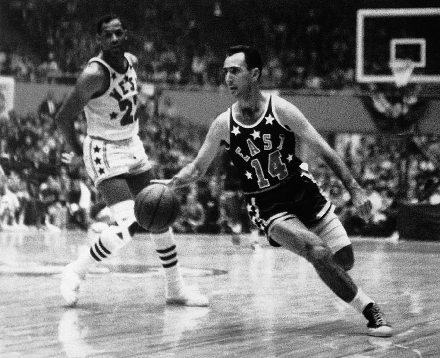 Nba All-star Bob Cousy Photograph by Nba Photo Library