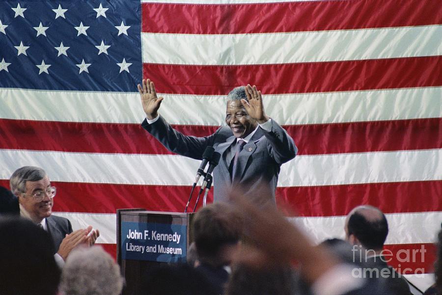 Nelson Mandela Acknowledging Applause Photograph by Bettmann