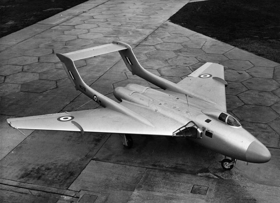 New De Havilland Photograph by Hulton Archive