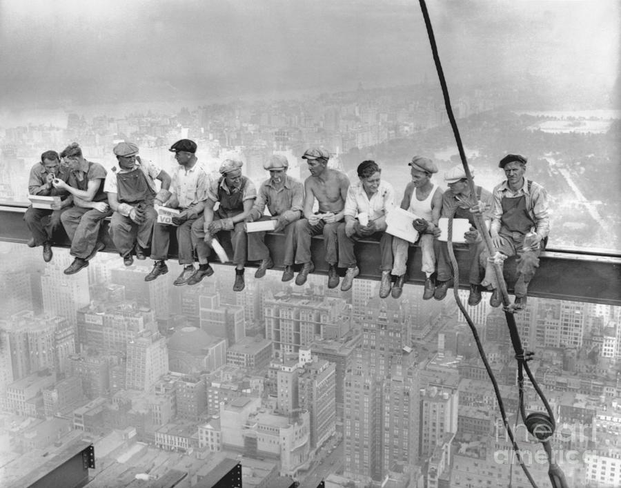 New York Construction Workers Lunching Photograph by Bettmann