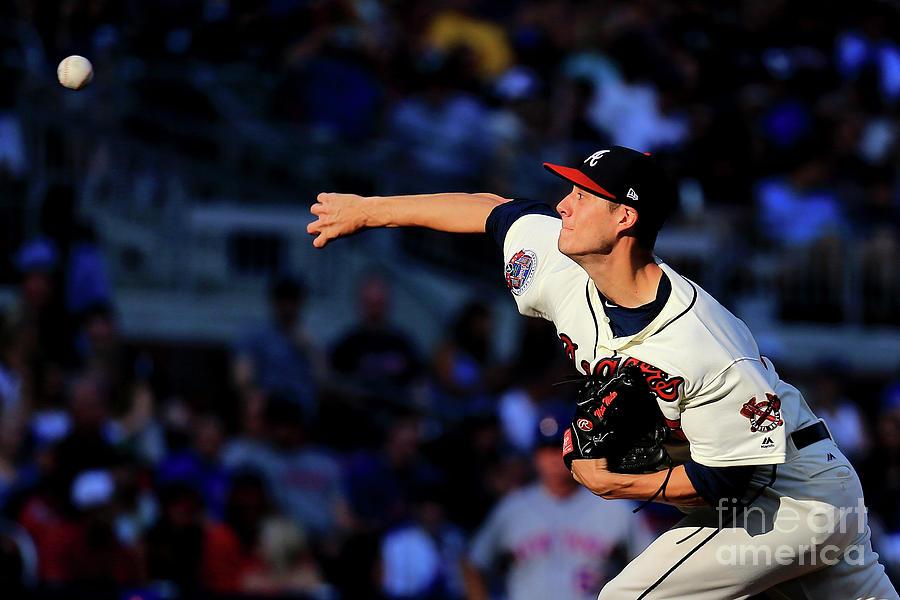 New York Mets V Atlanta Braves - Game Photograph by Daniel Shirey