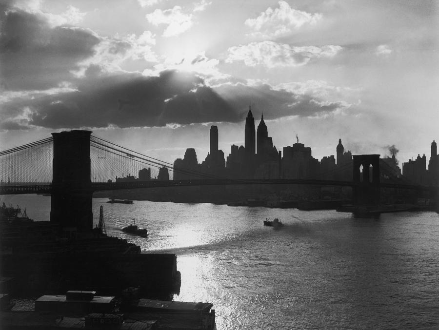 New York Silhouette Photograph by Hulton Archive