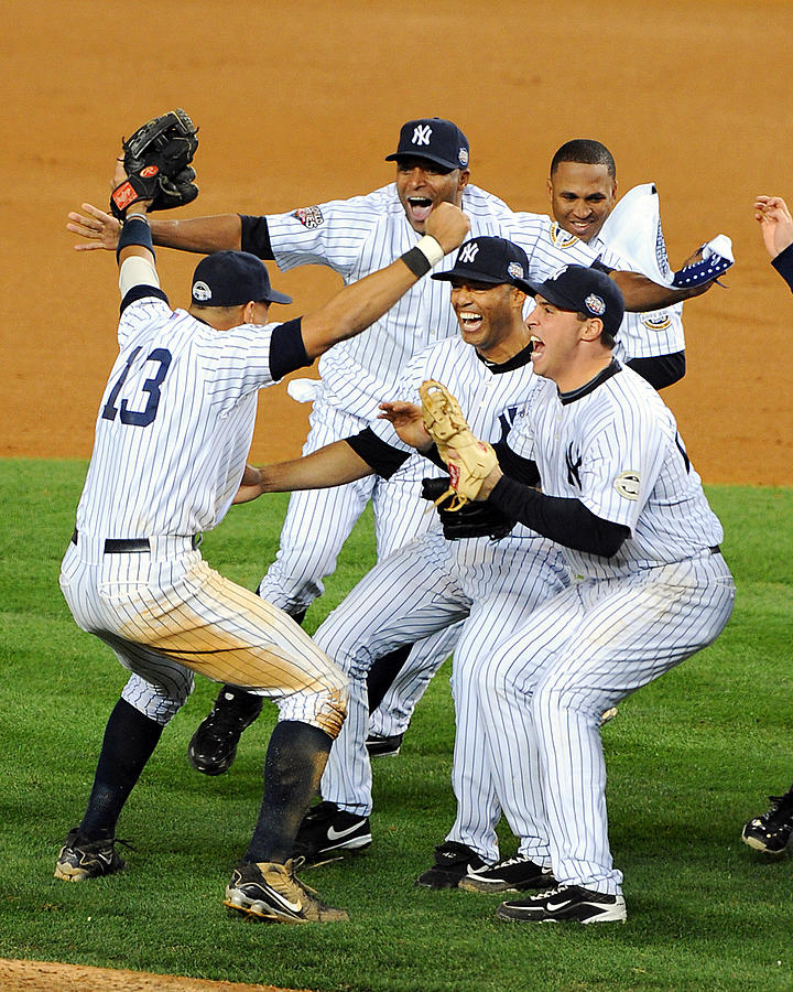 New York Yankees Celebrate 27th World Photograph by New York Daily News Archive