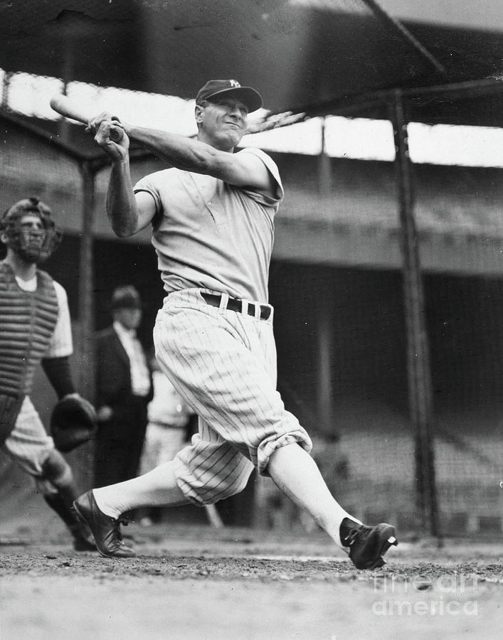 New York Yankees V New York Giants Photograph by Transcendental Graphics