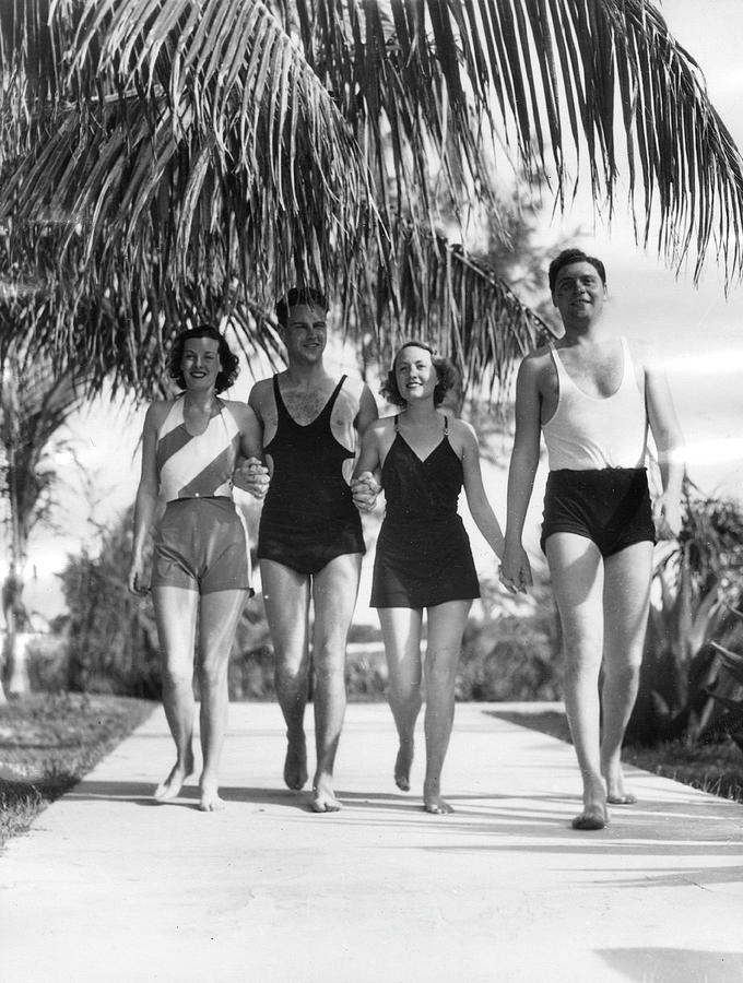 New Yorkers In Bermuda, 1932 Photograph by The New York Historical Society