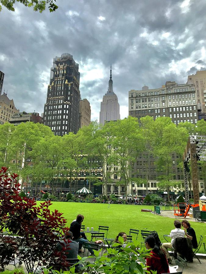 New Yorkers lunching before the rain  by Liza Beckerman