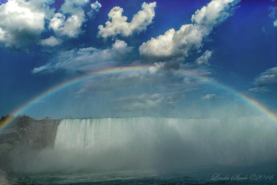 Niagara Rainbow by Linda Steele