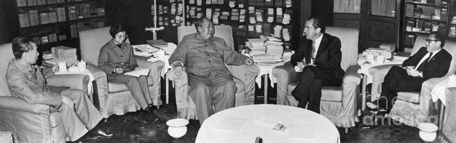 Nixon Meets With Mao Photograph by Bettmann