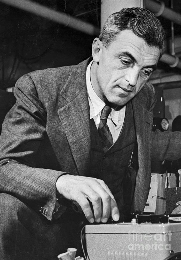 Nobel Prize Winning Physicist Felix Photograph by Bettmann