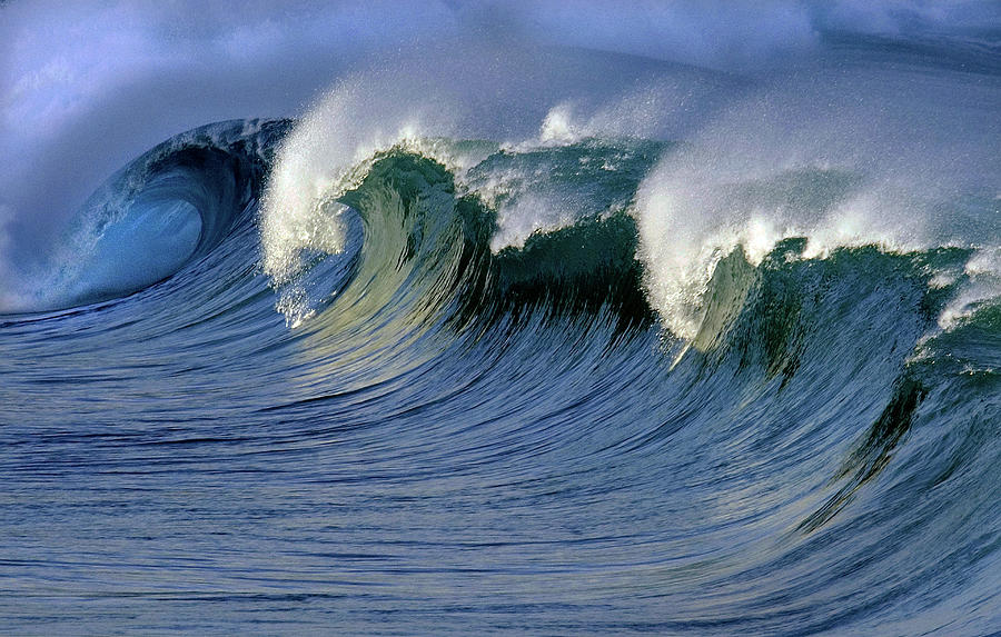 North Shore Powerful Waves Photograph by Mitch Diamond
