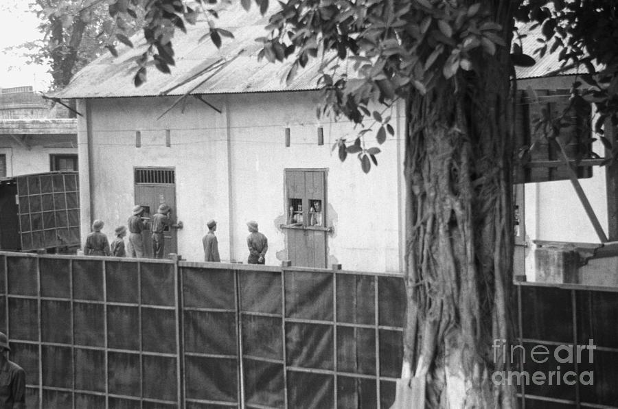 North Vietnamese Pow Camp Photograph by Bettmann