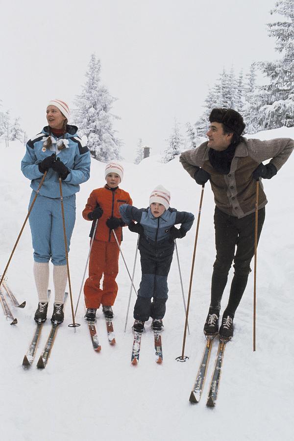 Norway, Danish Royal Family Skiing Photograph by Keystone-france