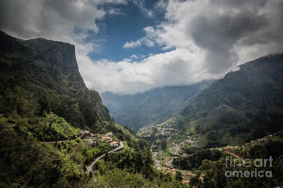 Nuns Valley by Eva Lechner