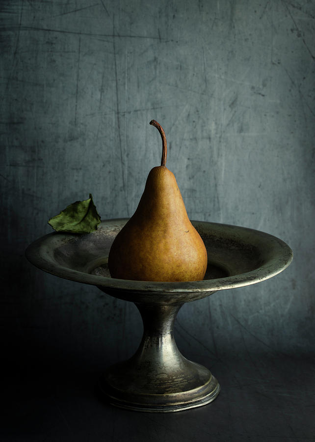 Ode to a Pear by Amy Weiss