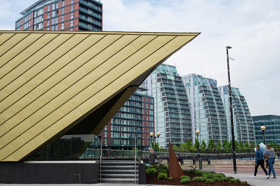 Of modern architecture at the Salford Quays by IORDANIS PALLIKARAS