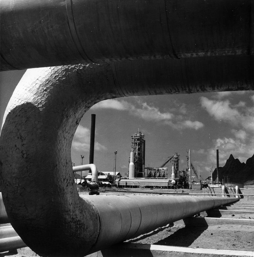 Oil Pipe Photograph by Central Press