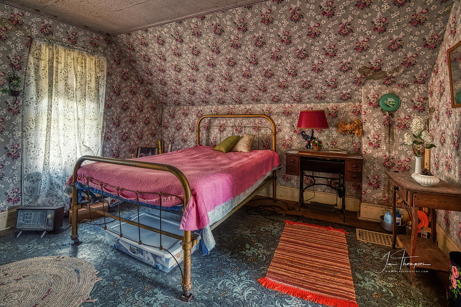 J B Thompson Photograph - Old Farmhouse Upstairs Bedroom by Jim Thompson