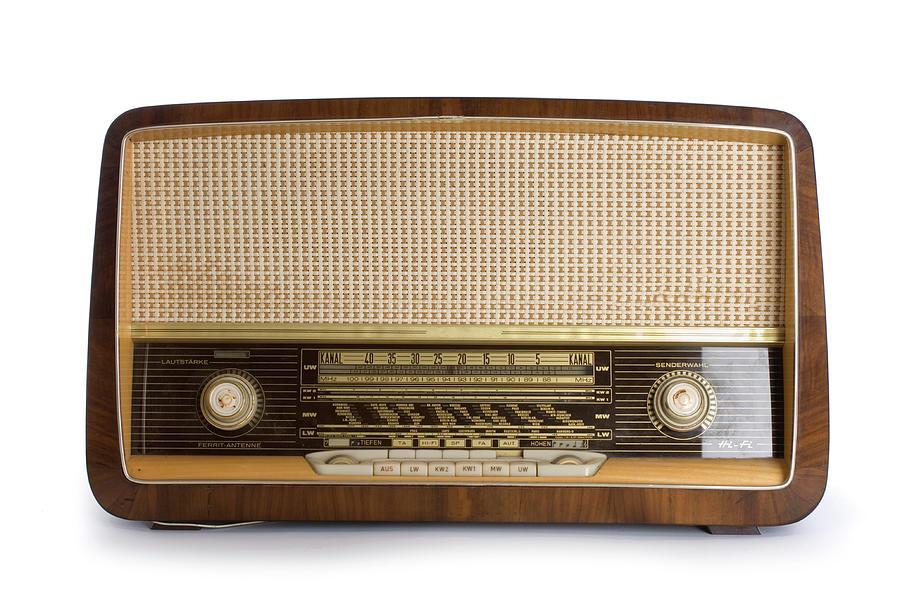 Old Radio by Claudiad