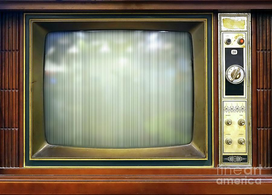 Old Television Set On Table Photograph by Yali Shi / Eyeem