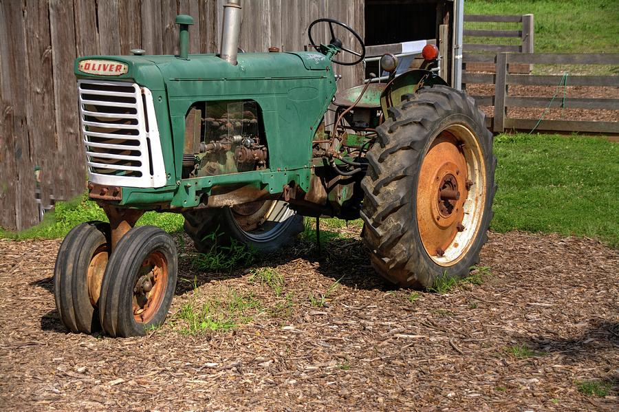 Oliver Farm Tractor Photograph By Paul Lindner