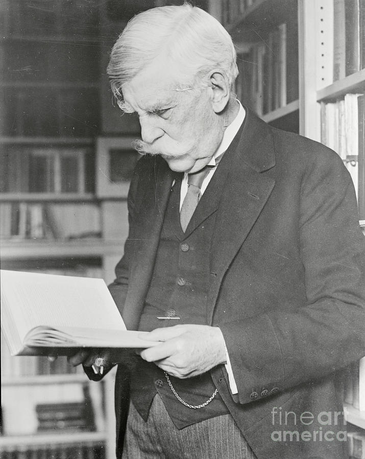 Oliver Wendell Holmes Reading Book Photograph by Bettmann