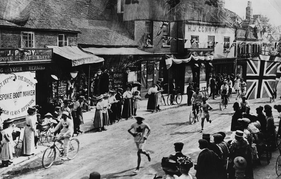 Olympic Marathon Photograph by Hulton Archive