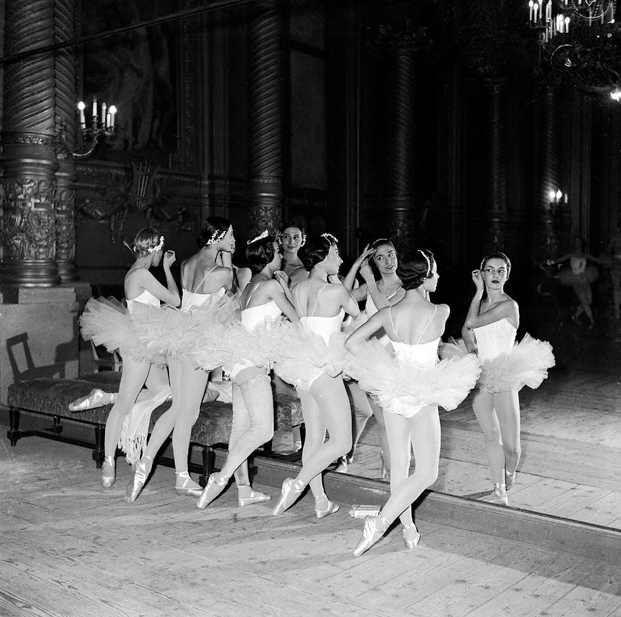 Opera De Paris Contest In 1955 Photograph by Keystone-france
