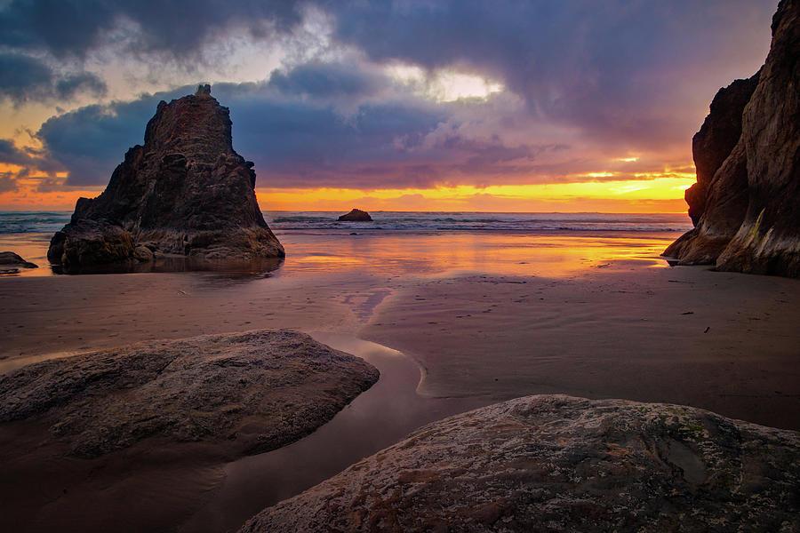 Oregon Coast Sunset by Carolyn Derstine