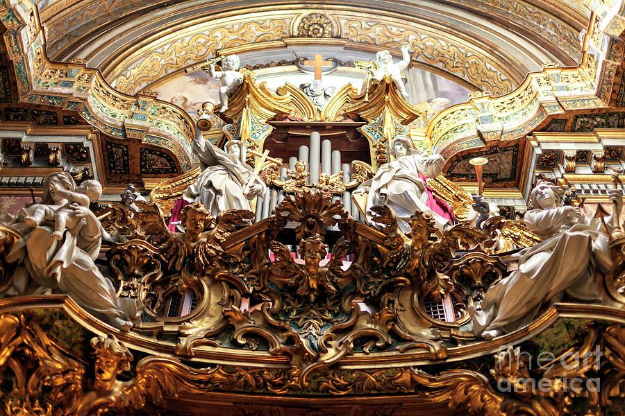 Organ at Chiesa di Santa Maria Maddalena in Rome by John Rizzuto