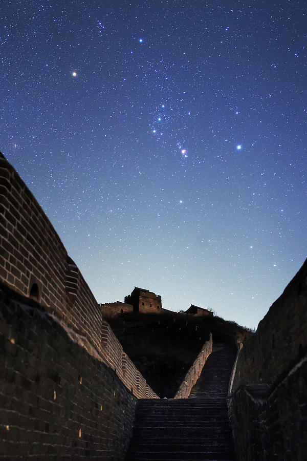 Orion Rises Above The Great Wall by Jeff Dai