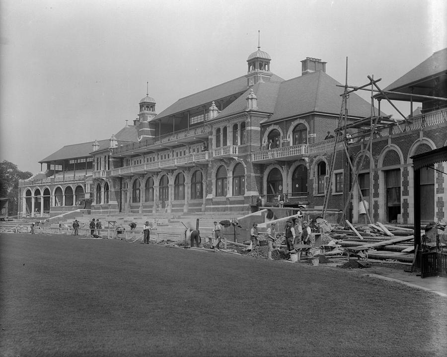 Oval Pavilion Photograph by Reinhold Thiele