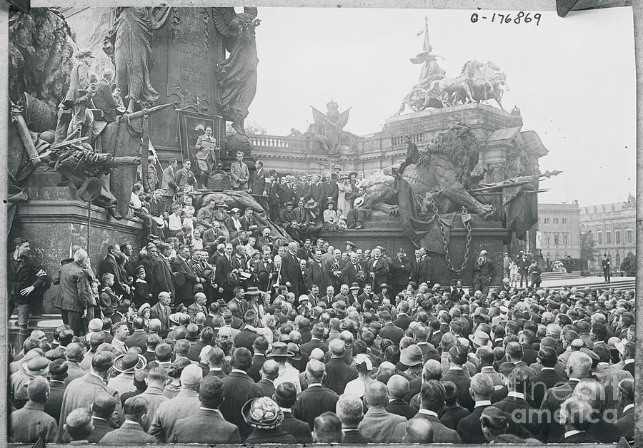 Pacifist Meeting In Berlin Photograph by Bettmann