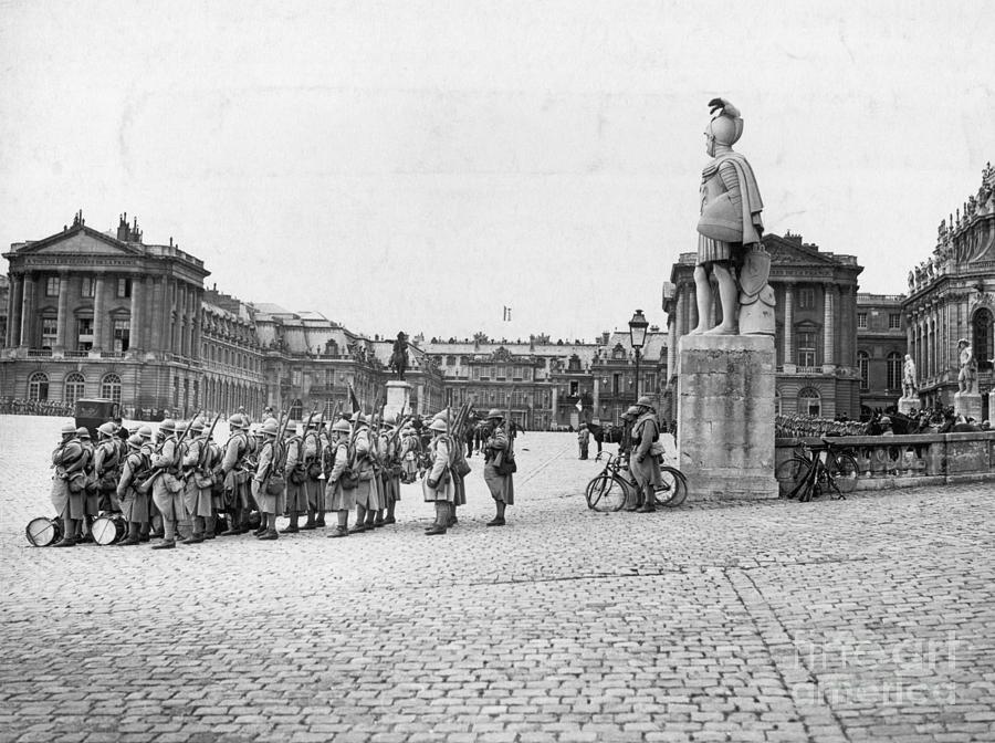 Palace Of Versailles Photograph by Bettmann