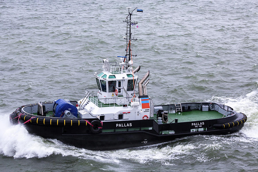 Pallas Tugboat by John Daly