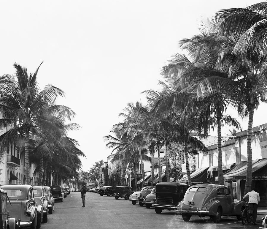 Palm Beachs Worth Avenue Photograph by Bert Morgan