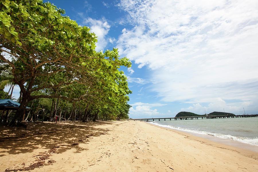 Palm Cove, Cairns, Australia Photograph by Alvarez