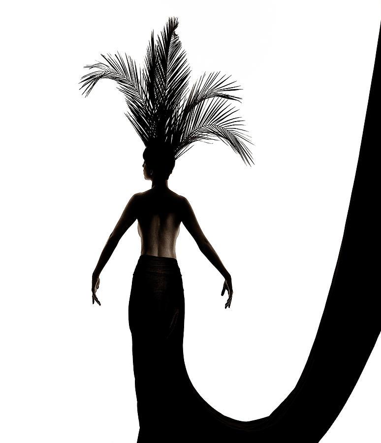 Palm leaves headdress by Anders Kustas
