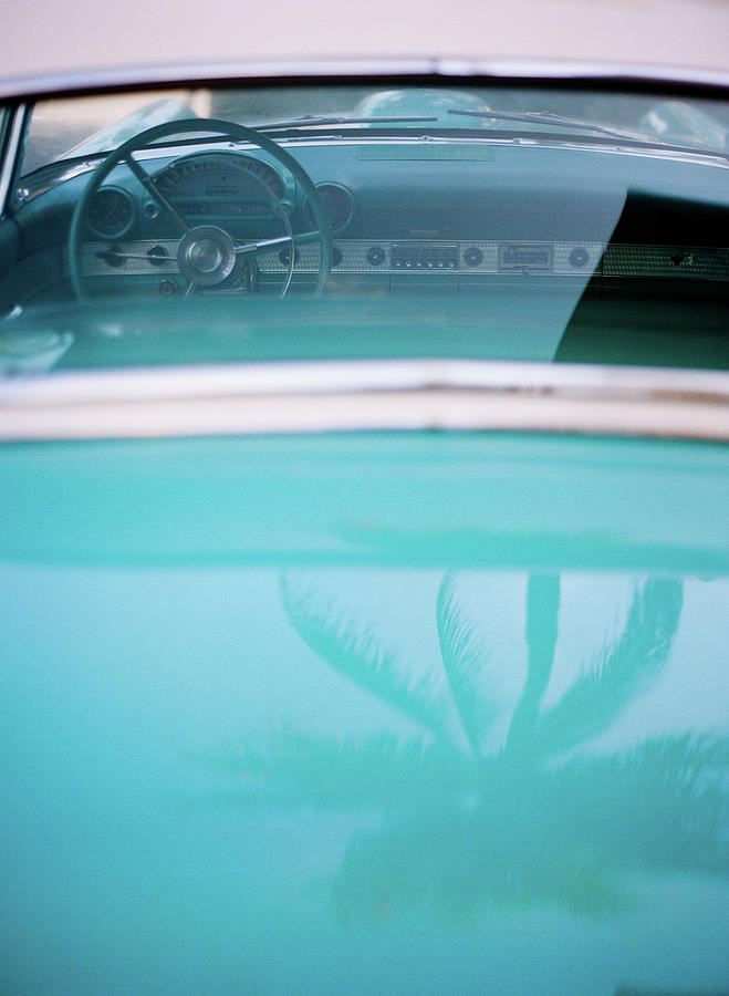 Palm Tree Reflection On Car Photograph by Jörgen Persson - Www.rebusfilm.se