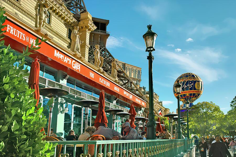 Paris Cafe by PAUL COCO