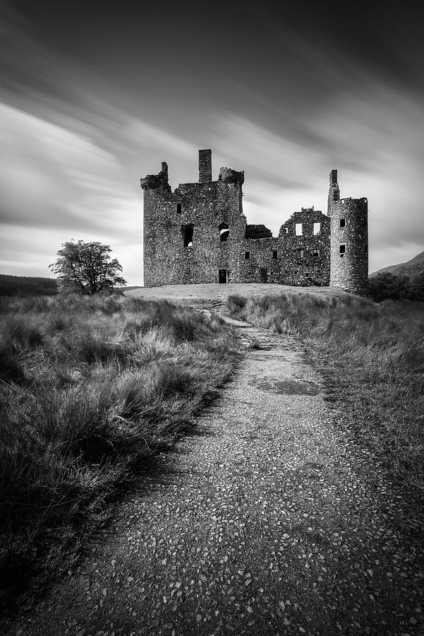 Kilchurn Castle Photograph - Path To Kilchurn Castle by Dave Bowman