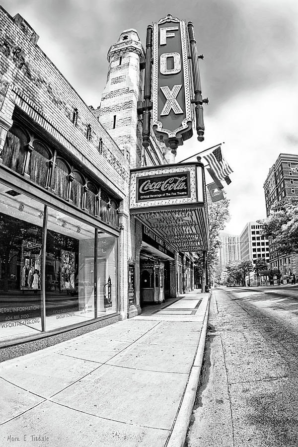 Fox Theatre Photograph - Peachtree Street And The Fox Theatre - Atlanta by Mark Tisdale
