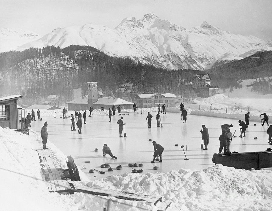 People Enjoying Curling Rink Photograph by Bettmann