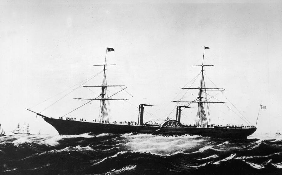 Persia Afloat Photograph by Hulton Archive