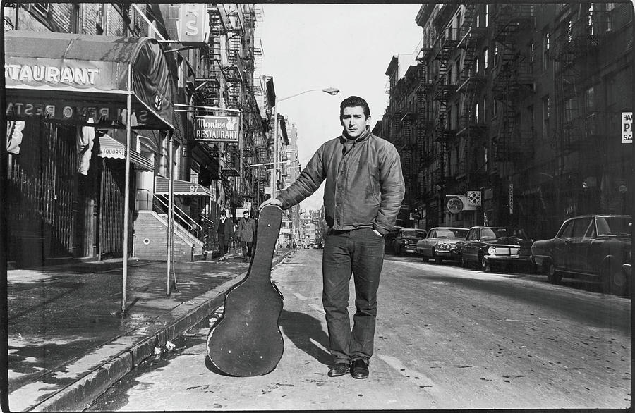 Phil Ochs In The Village Photograph by Fred W. McDarrah