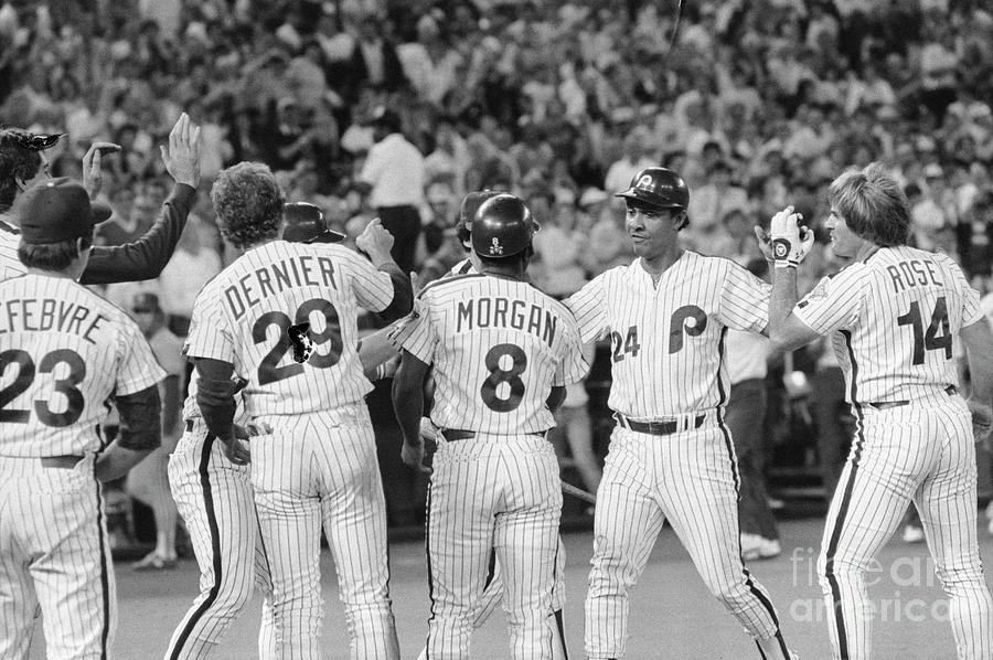 Phillies Congratulating Tony Perez Photograph by Bettmann