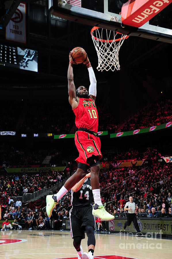 Phoenix Suns V Atlanta Hawks Photograph by Scott Cunningham