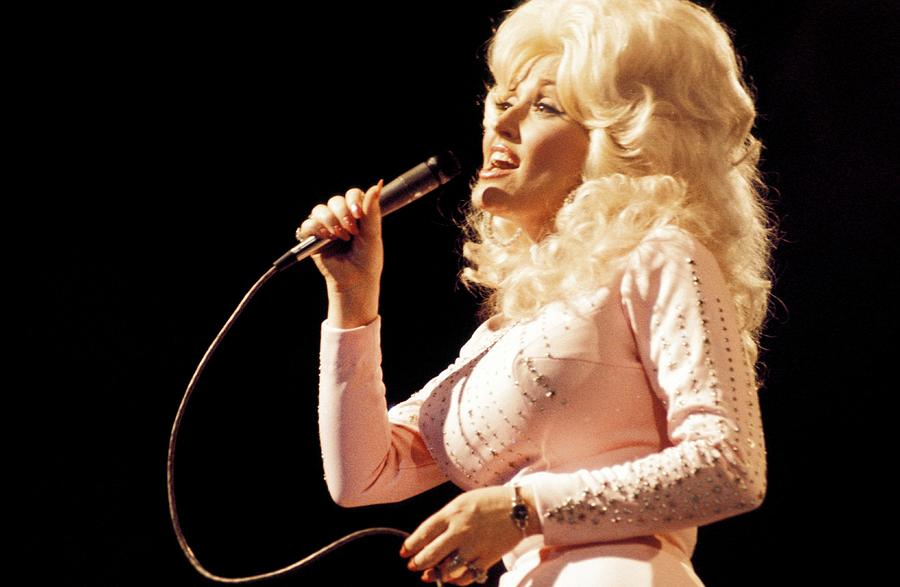 Photo Of Dolly Parton Photograph by David Redfern